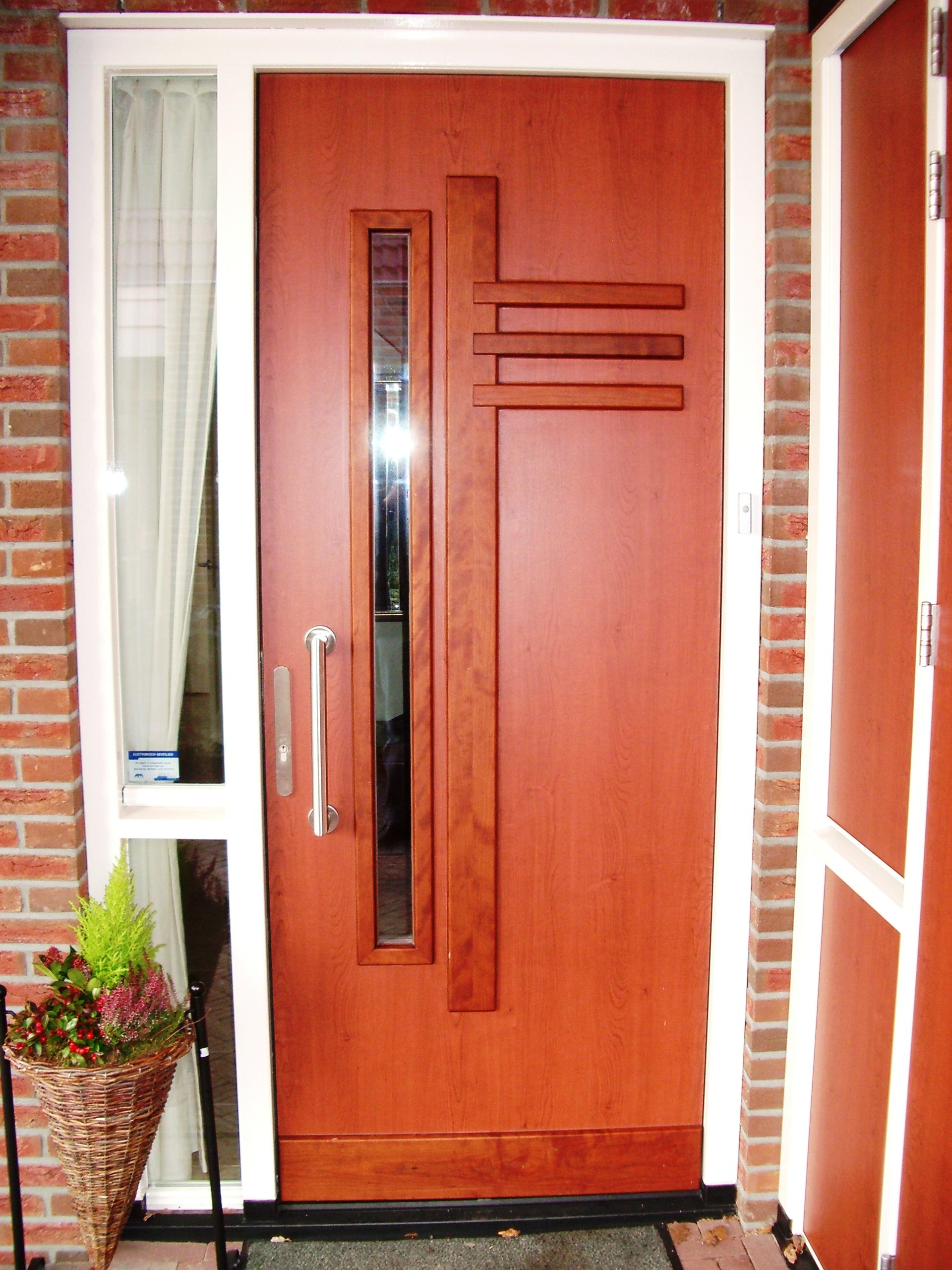 Kozijnen deuren en ramen broekhuis houtbewerking for Deuren en kozijnen